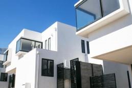 ventanas color grafito condominio